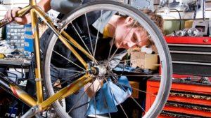 ロードバイクのパンク修理方法と修理キットを解説します
